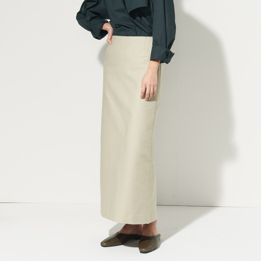 Studio formal slim skirt