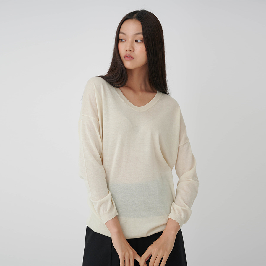 Round U neck Cashmere Sweater