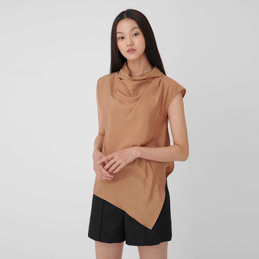 Asymmetric shell blouse