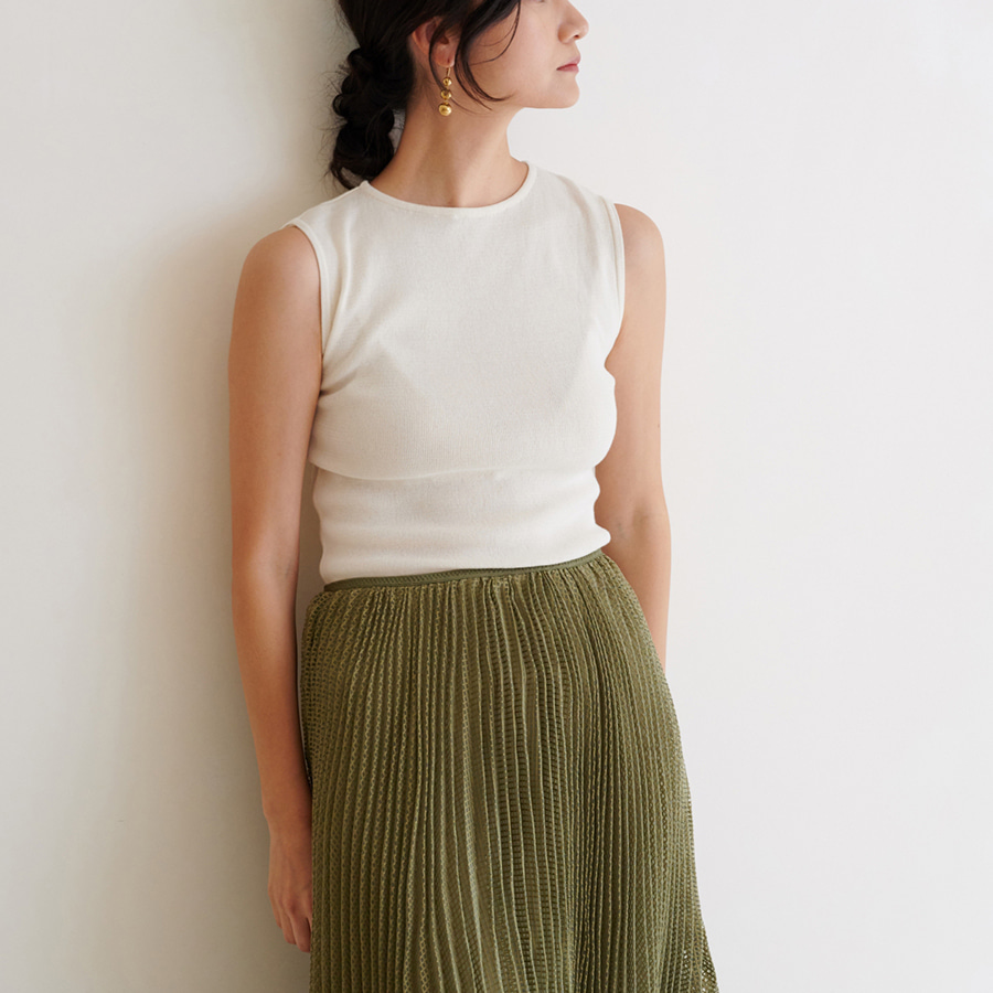 SIMPLICITY KNIT SLEEVELESS