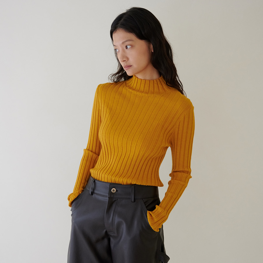 Half-neck ribbed knit