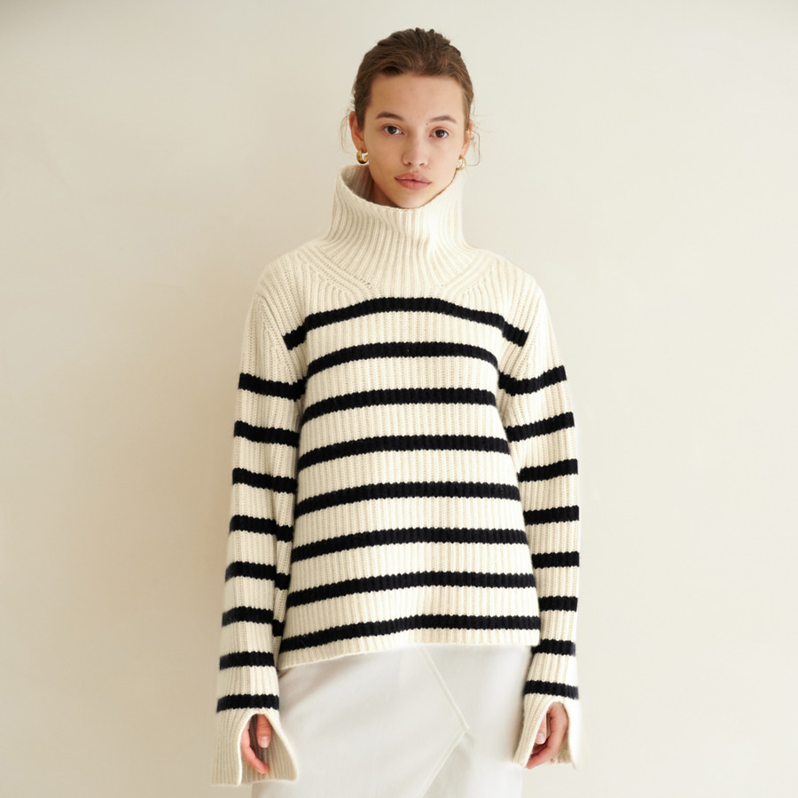 Molly High-neck striped sweater