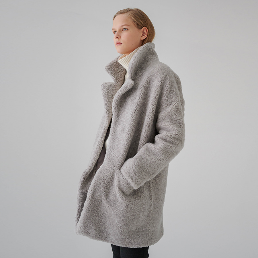Laura fuzzy lamb coat