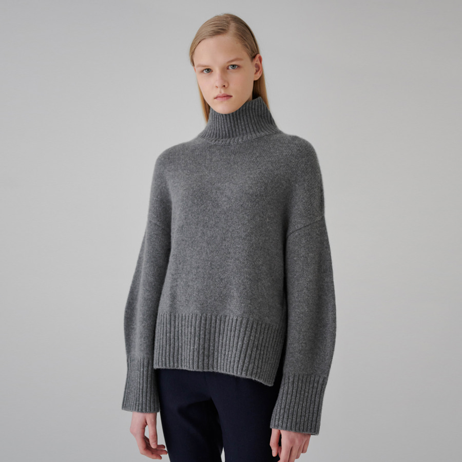 Feather cashmere turtle pullover