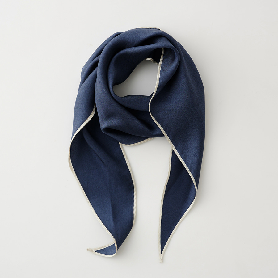 Donna simple scarf
