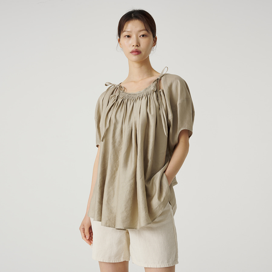 Hue pleated blouse
