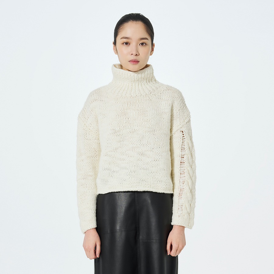 Bulky crop knit