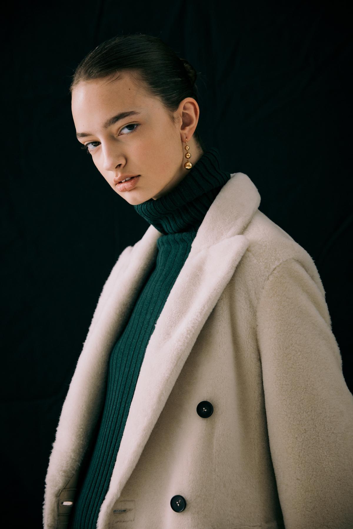 코트 모델 착용 이미지-S12L6