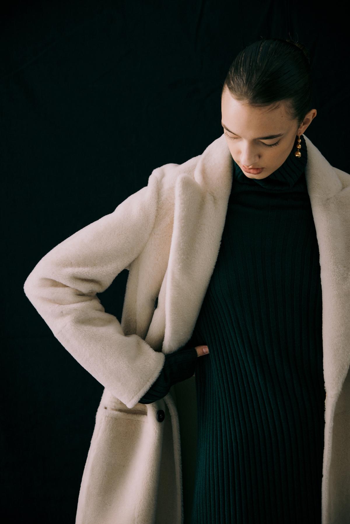 코트 모델 착용 이미지-S12L22