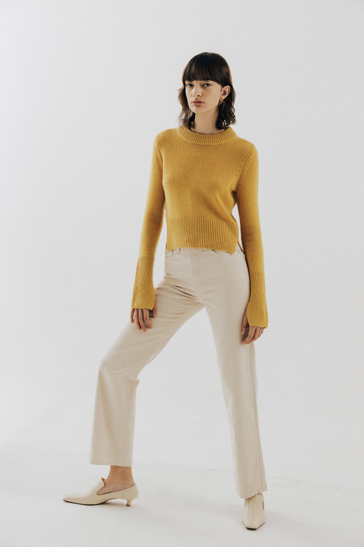 바지 모델 착용 이미지-S17L1