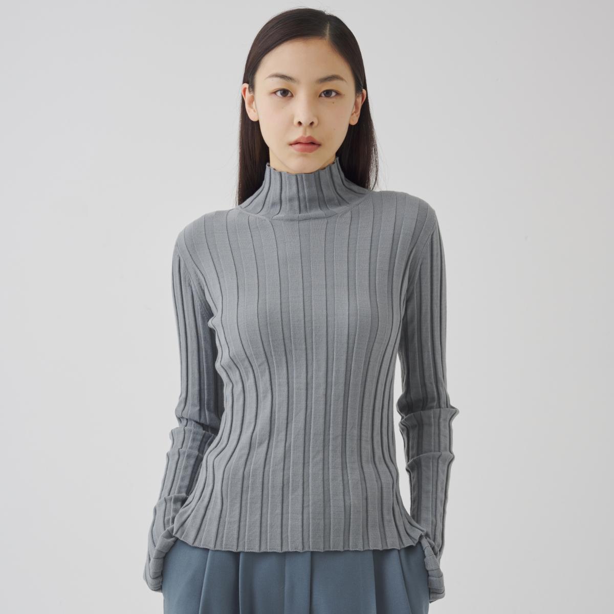 긴팔 티셔츠 모델 착용 이미지-S1L2