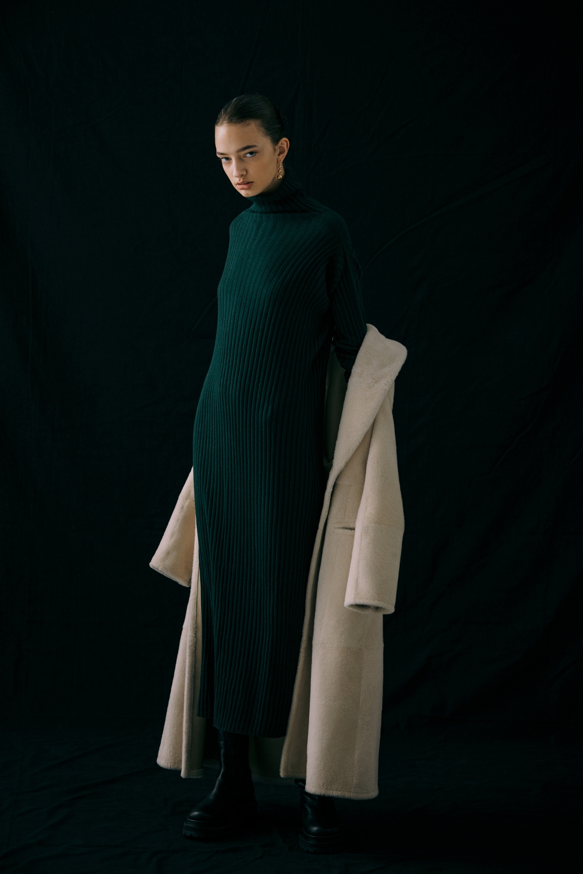 드레스 모델 착용 이미지-S6L6