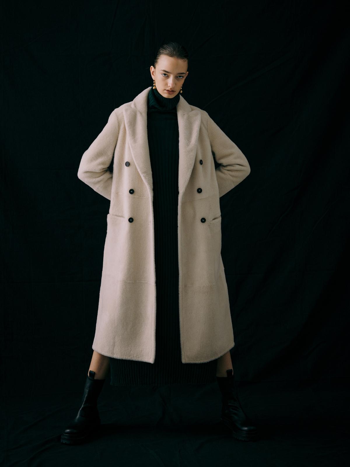 코트 모델 착용 이미지-S1L22
