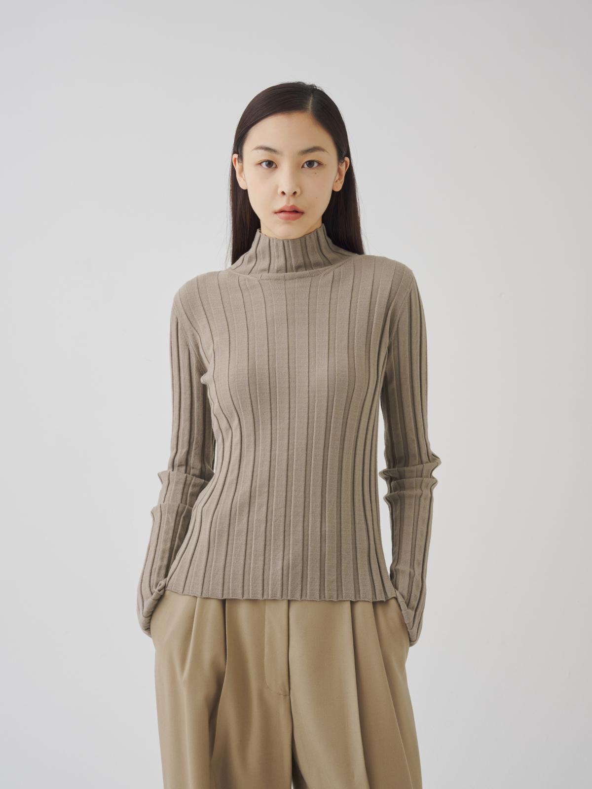 긴팔 티셔츠 모델 착용 이미지-S1L36