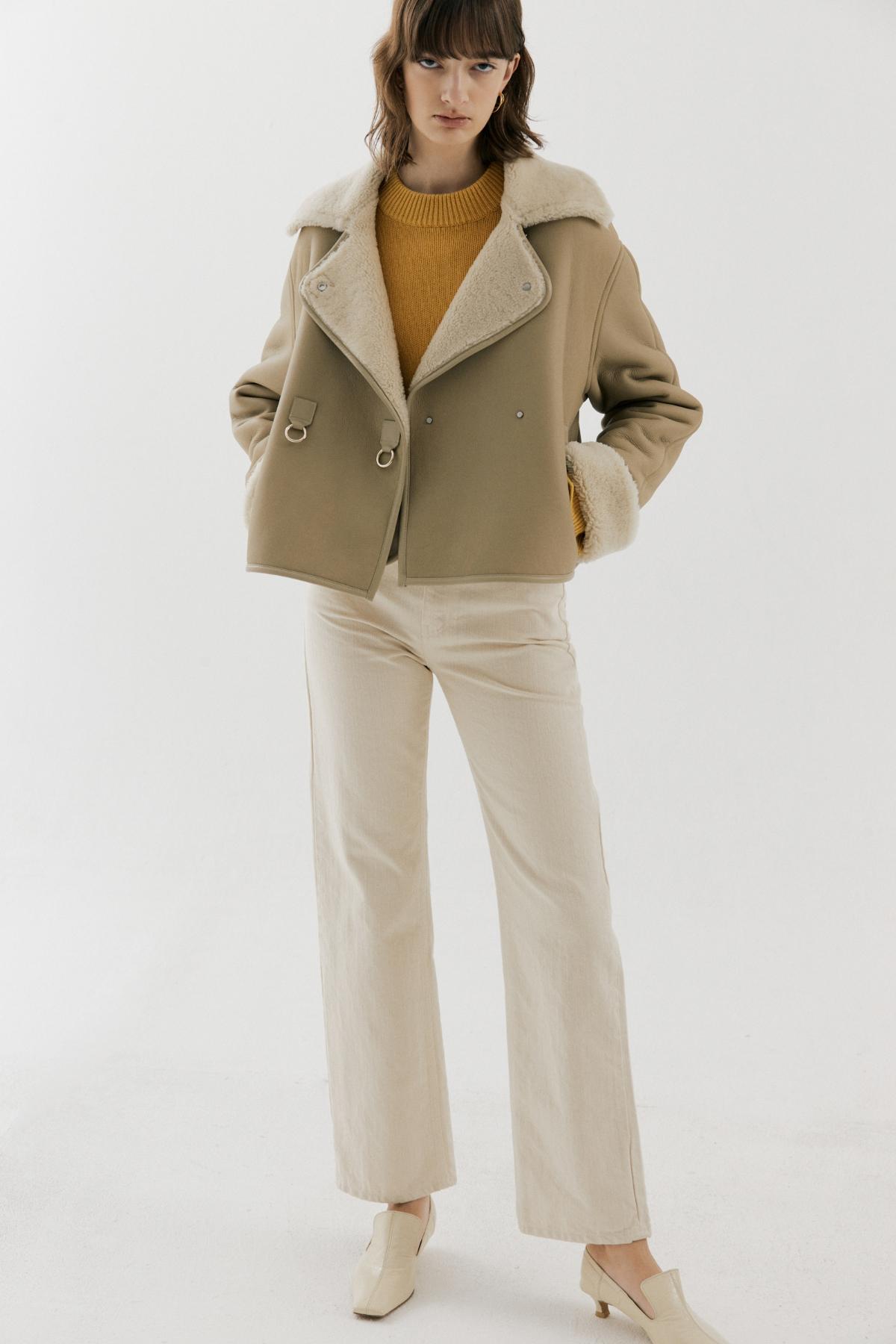바지 모델 착용 이미지-S19L1