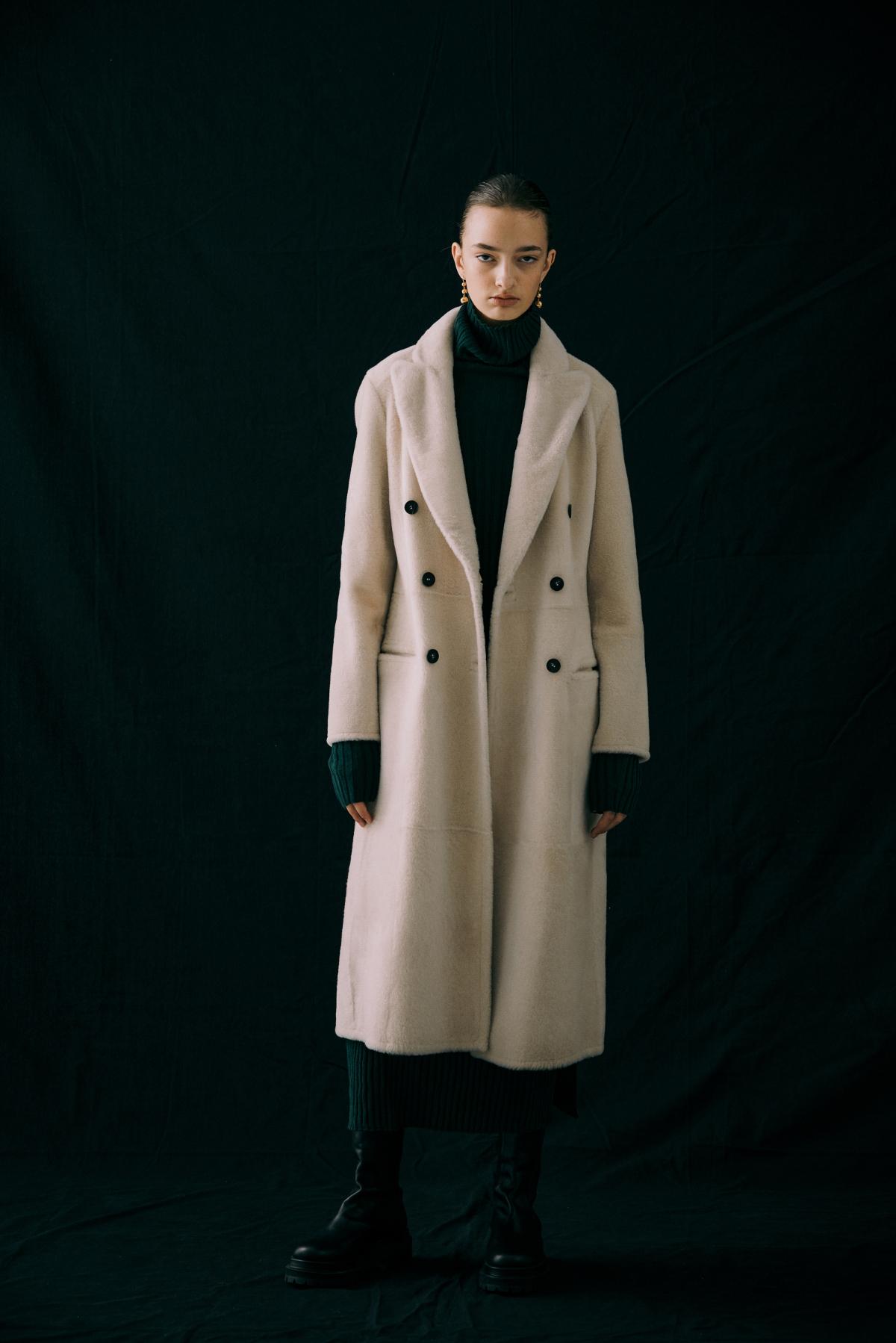 코트 모델 착용 이미지-S12L19
