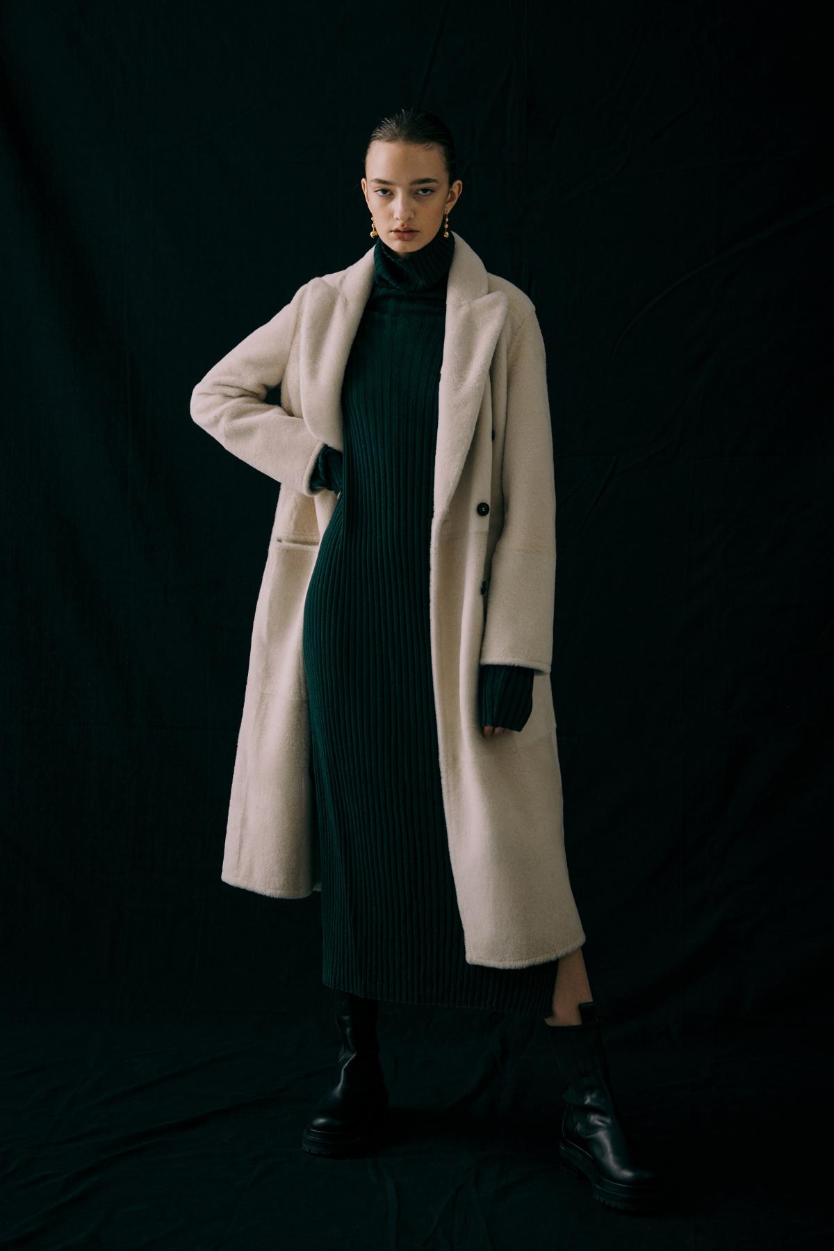코트 모델 착용 이미지-S12L9