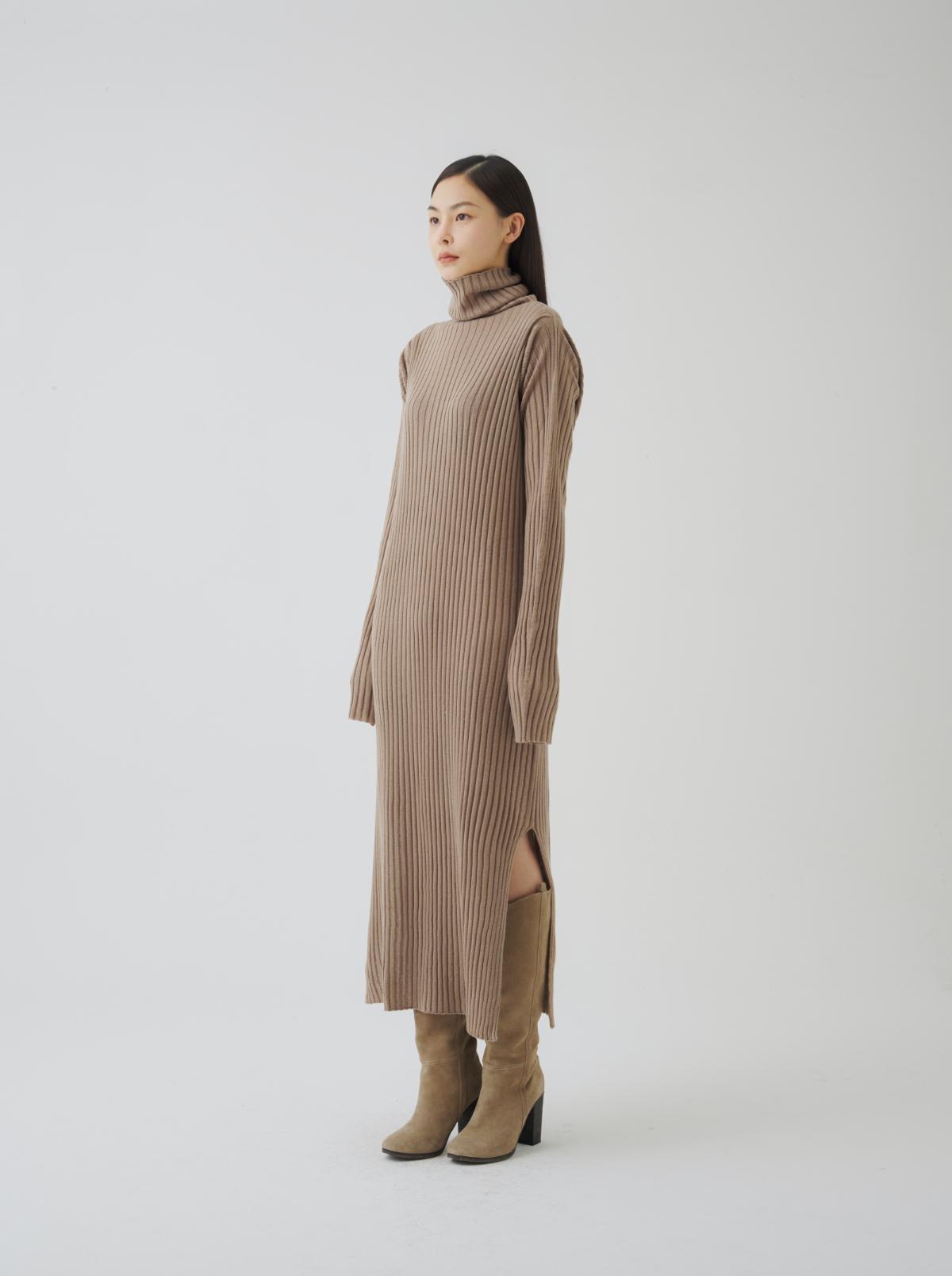 드레스 모델 착용 이미지-S7L2