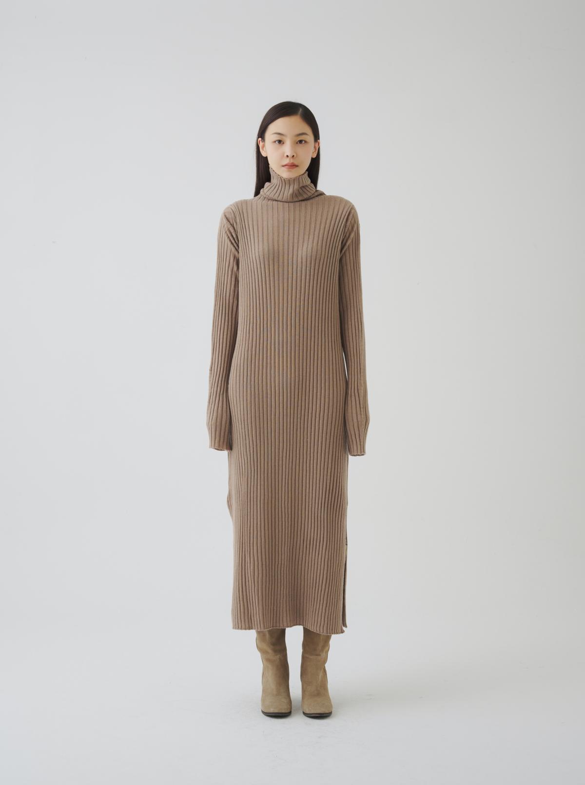 드레스 모델 착용 이미지-S7L1