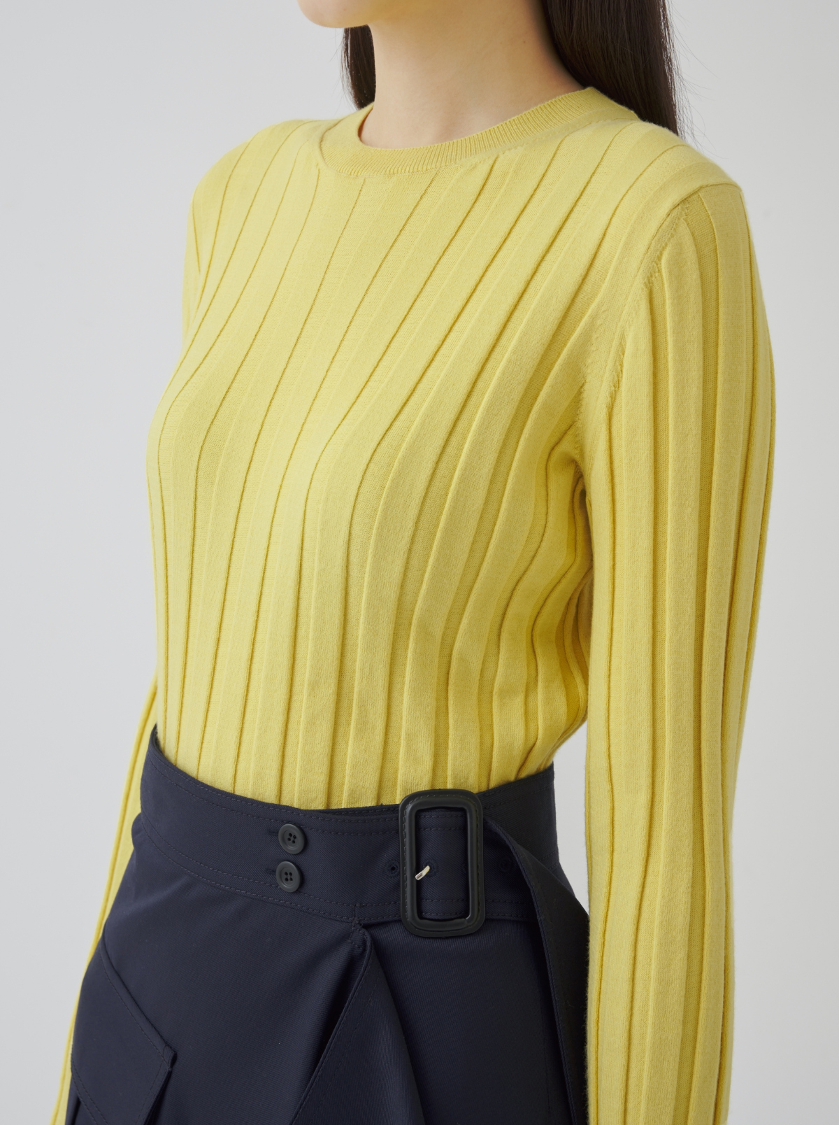 긴팔 티셔츠 모델 착용 이미지-S1L62